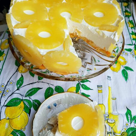 Torta s ananasom